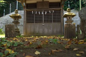 馬路石邊神社
